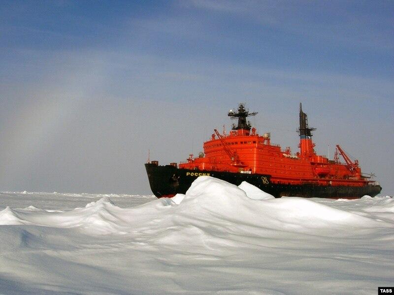Путин подписал стратегию освоения Арктики