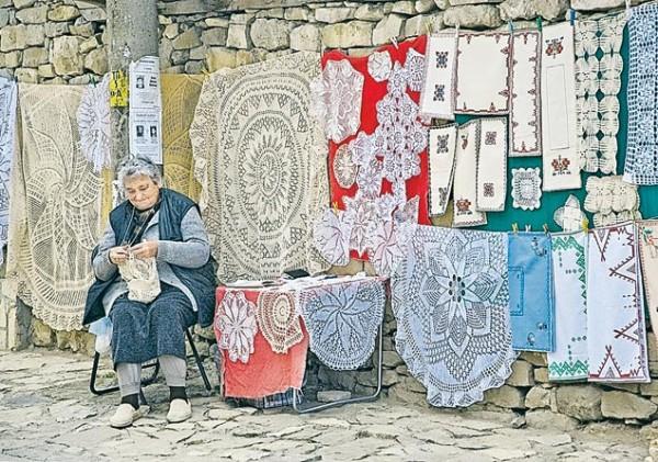 В деревнях остались одни старики