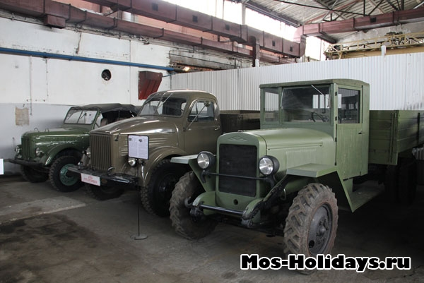 Военные грузовики в музее на Рогожском валу