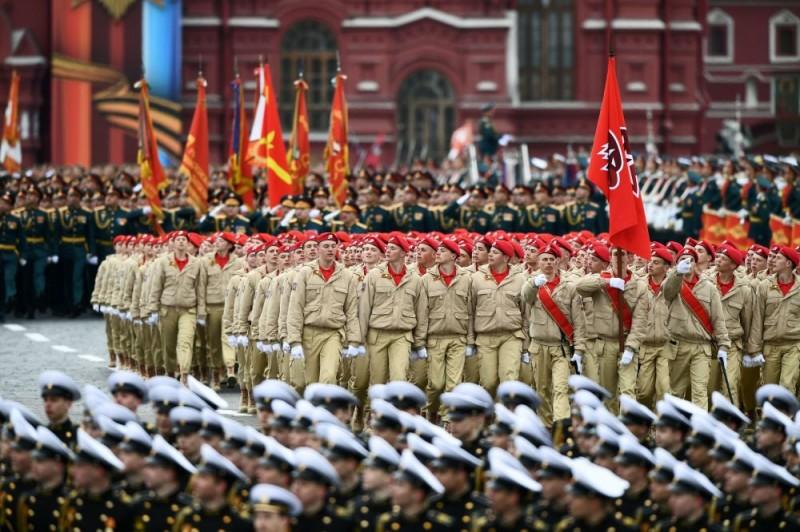 Юнармейцы из Петербурга заступают на Вахту Памяти в Минске