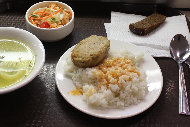 В Тамбовских школах детей кормят холодными и невкусными блюдами
