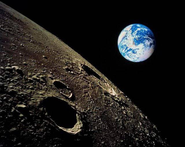 Космическая станция на луне как сверхцель для России