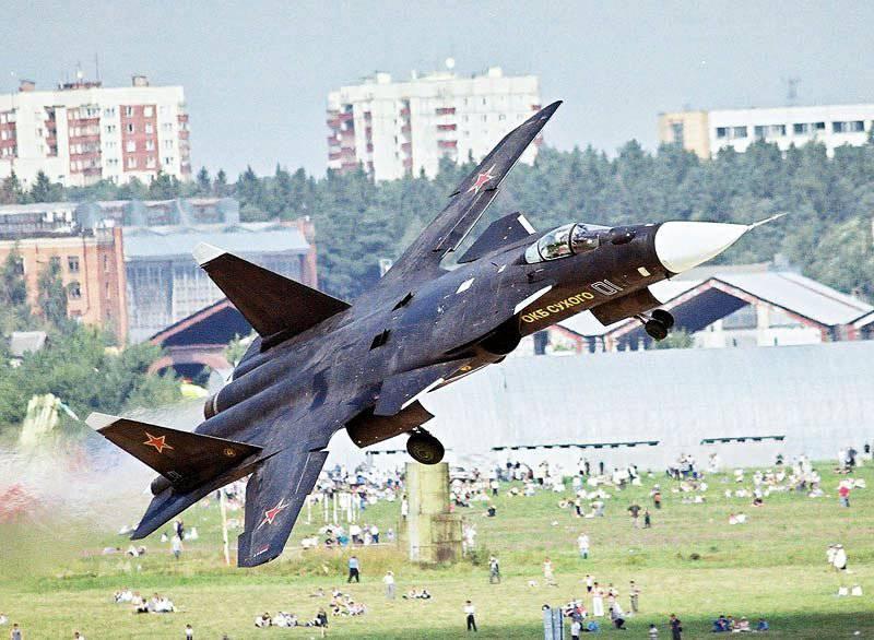 Экспериментальный самолет Су-47 «Беркут»
