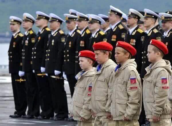 Школьники Кирова вступили в ряды «Юнармии»