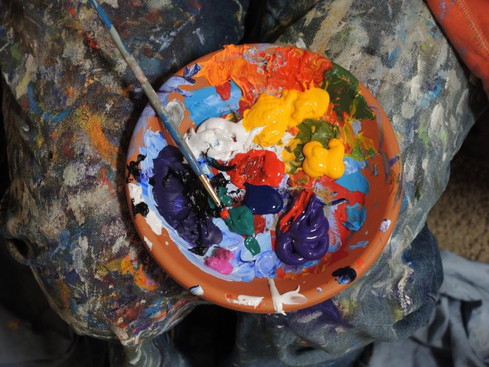В галерее «Краски жизни» стартовала летняя выставка молодых художников