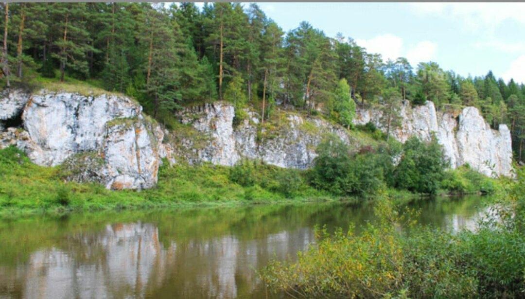 Скалы около турбазы Чусовая