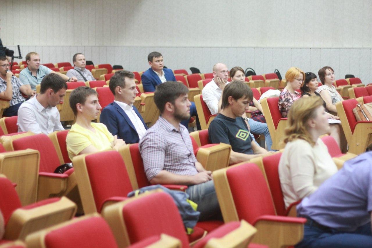 Презентации своих фирм участниками Ассоциации молодых строителей
