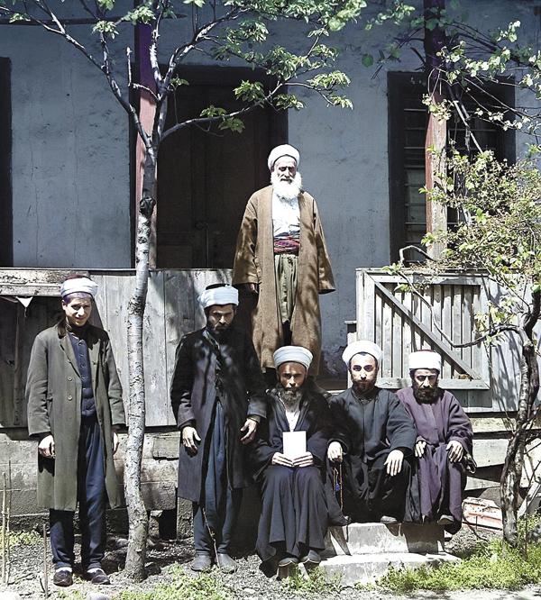 Муллы в мечети Азизия. Батум. 1910 год