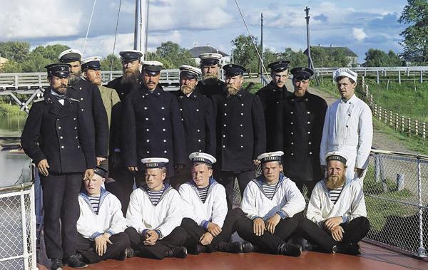 Команда парохода «Шексна», накотором С.М.Прокудин-Горский совершил путешествие поМариинской системе. 1909год